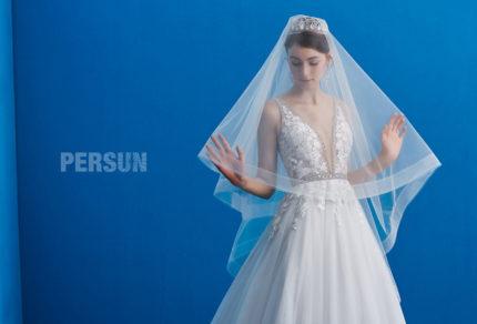 浪漫性感深V婚纱大拖尾显瘦唯美蕾丝贴花钉珠 HS170810